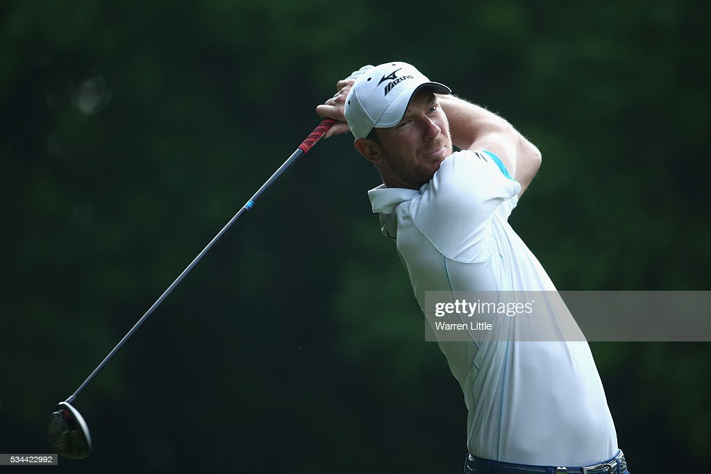 <a gi-track='captionPersonalityLinkClicked' href=/galleries/search?phrase=Chris+Wood+-+Golfer&family=editorial&specificpeople=4601133 ng-click='$event.stopPropagation()'>Chris Wood</a> of England tees off during day one of the BMW PGA Championship at Wentworth on May 26, 2016 in Virginia Water, England.