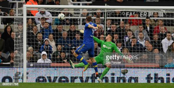 Chris Wood scores the injury time equaliser past Karl Darlow during the Sky Bet Championship match between Newcastle United and Leeds United at St...