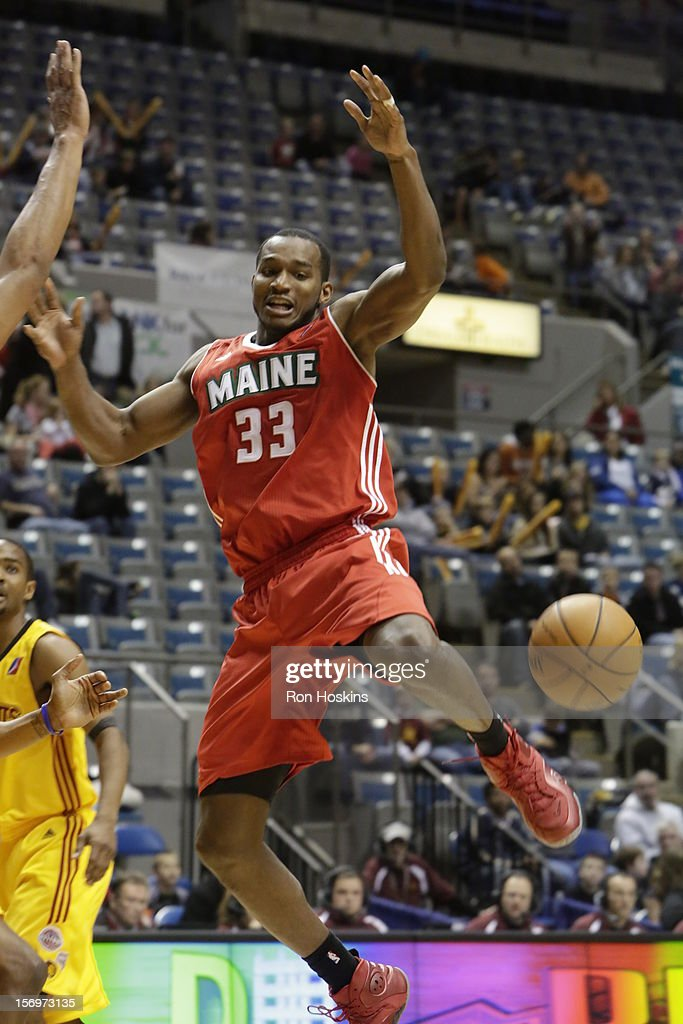 Chris Wright #33 of the Maine Red Claws looses the ball as the Red Claws took on the Fort Wayne Mad Ants at Allen County Memorial Coliseum on November 25, 2010 in Fort Wayne, Indiana.