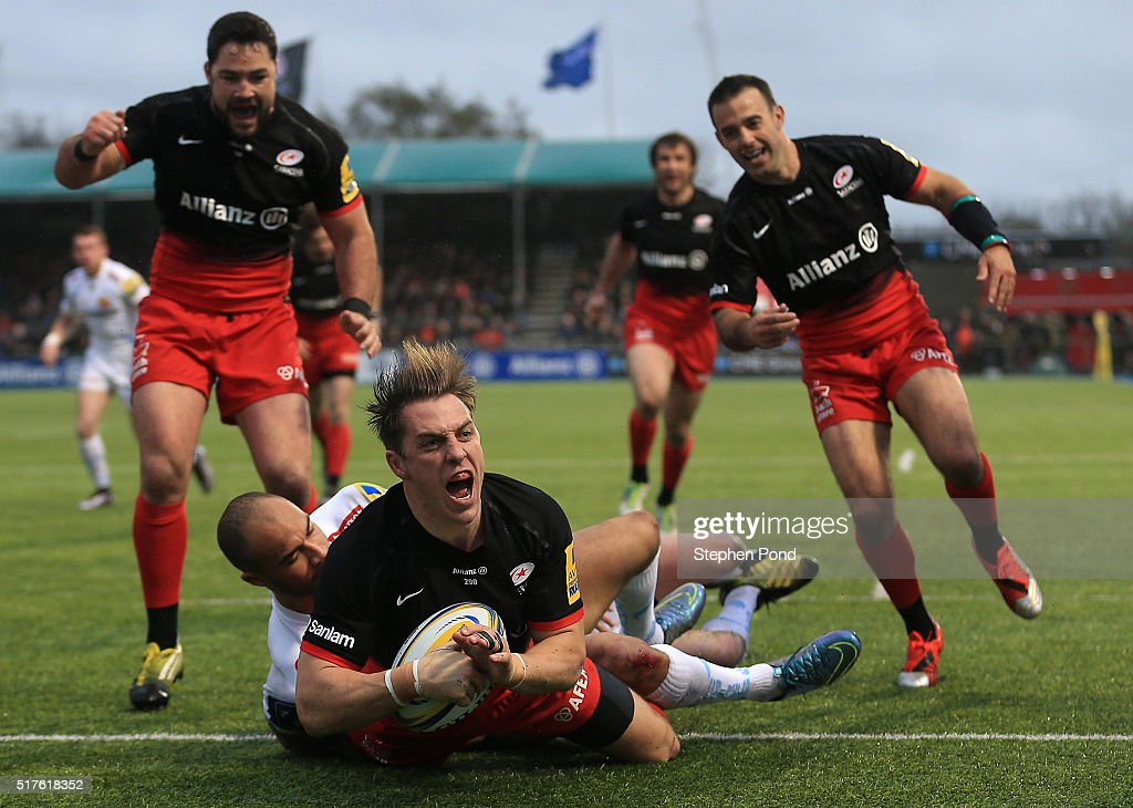 Chris Wyles of Saracens scores a try during the Aviva Premiership match between Saracens and Exeter Chiefs at Allianz Park stadium on March 26 2016...