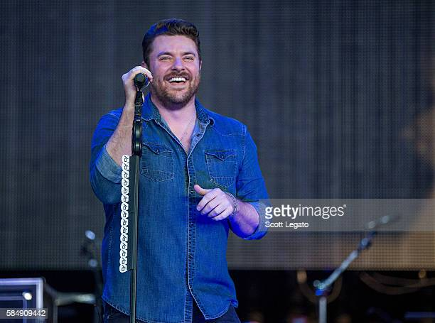 Chris Young performs during the 995 WYCD Detroit Hoedown at DTE Energy Music Theater on July 31 2016 in Clarkston Michigan