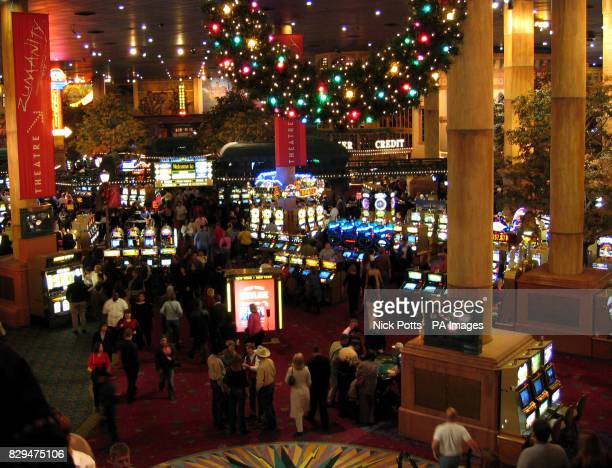 Chrismas time tables and slot machines at New York New York Hotel