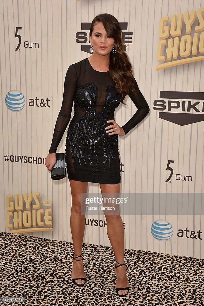 Chrissy Teigen attends Spike TV's Guys Choice 2013 at Sony Pictures Studios on June 8, 2013 in Culver City, California.