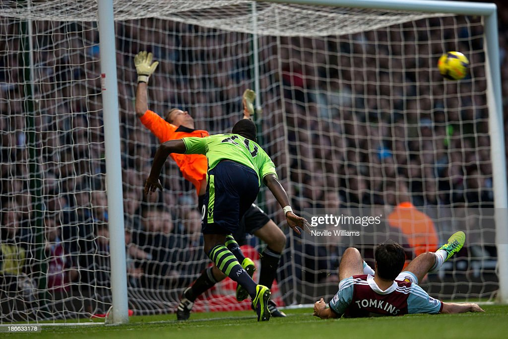 <a gi-track='captionPersonalityLinkClicked' href=/galleries/search?phrase=Christian+Benteke&family=editorial&specificpeople=4282509 ng-click='$event.stopPropagation()'>Christian Benteke</a> of Aston Villa in action during the Barclays Premier League match between West Ham United and Aston Villa at the Boleyn Ground on November 02, 2013 in London, England.