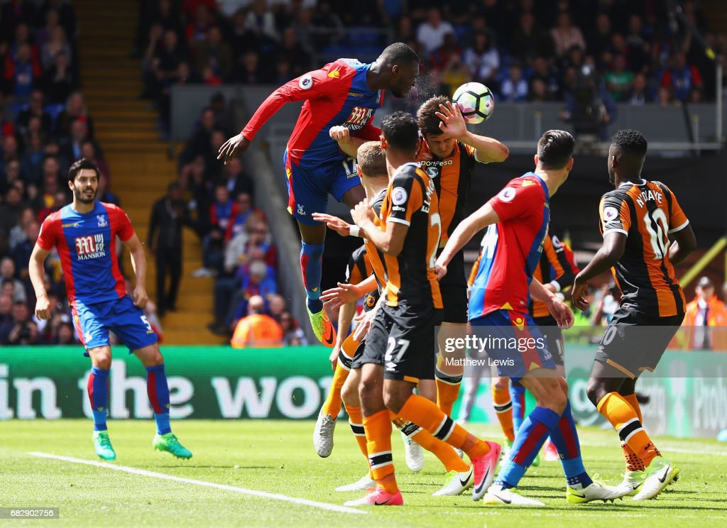 Christian Benteke of Crystal Palace scores his sides second goal during the Premier League match between Crystal Palace and Hull City at Selhurst Park on May 14, 2017 in London, England.