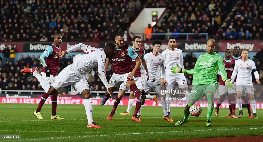 <a gi-track='captionPersonalityLinkClicked' href=/galleries/search?phrase=Christian+Benteke&family=editorial&specificpeople=4282509 ng-click='$event.stopPropagation()'>Christian Benteke</a> of Liverpool comes close to scoring during the The Emirates FA Cup Fourth Round Replay match between West Ham United and Liverpool at Boleyn Ground on February 9, 2016 in London, England.