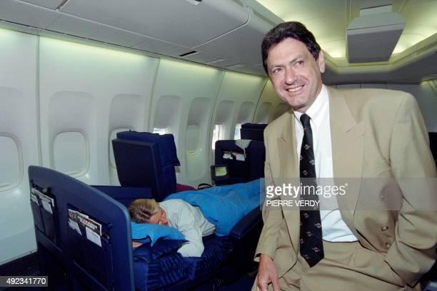 Christian Blanc président du groupe Air France présente le 31 août 1995 à Roissy la nouvelle classe d'affaires des vols longcourrier de la compagnie...