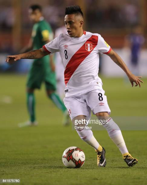 Christian Cueva of Peru controls the ball during a match between Peru and Bolivia as part of FIFA 2018 World Cup Qualifiers at Monumental Stadium on...