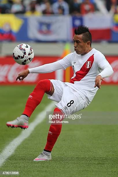 Christian Cueva of Peru controls the ball during the 2015 Copa America Chile Group C match between Colombia and Peru at Municipal Bicentenario Germán...