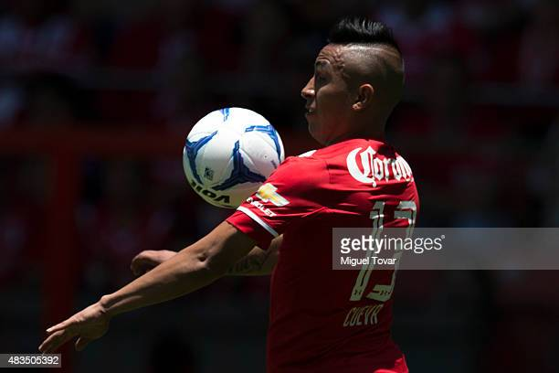 Christian Cueva of Toluca controls the ball during a 3rd round match between Toluca and Morelia as part of the Apertura 2015 Liga MX at Nemesio Diez...