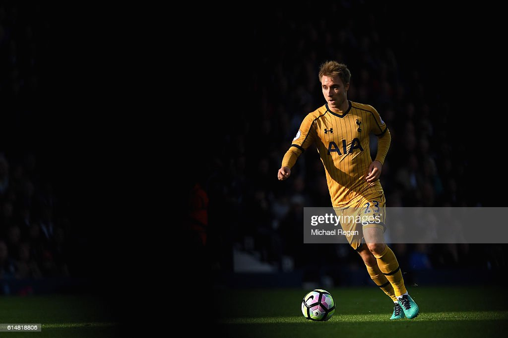 Christian Eriksen of Tottenham Hotspur in action during the Premier League match between West Bromwich Albion and Tottenham Hotspur at The Hawthorns on October 15, 2016 in West Bromwich, England.