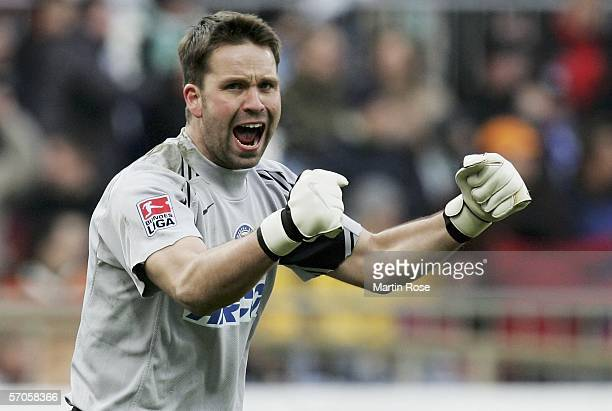Christian Fiedler goalkeeper of Berlin celebrates the 2nd goal during the Bundesliga match between Werder Bremen and Hertha BSC Berlin at the Weser...