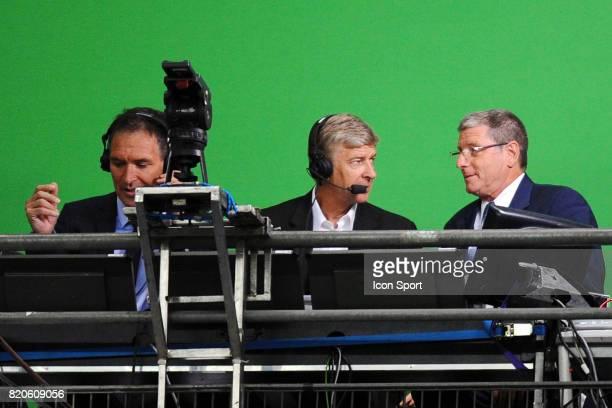 Christian JEANPIERRE / Arsene WENGER / Jean Michel LARQUE France / Roumanie Qualification Coupe du Monde 2010 Stade de France Paris