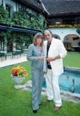 Christian Kohlund Ehefrau Elke BestPörtschach Wörthersee Kärnten sterreich Europa ParkhotelPörtschach Gartenanlage Terrasse