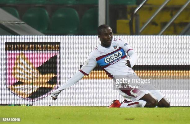 Christian Kouame of Cittadella celebrates after scoring the opening goal during the Serie B match between US Citta' di Palermo and Cittadella at...