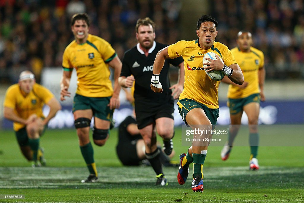 Christian Lealiifano of the Wallabies makes a break during The Rugby Championship Bledisloe Cup match between the New Zealand All Blacks and the...