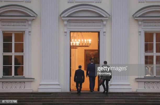 Christian Lindner leader of the Free Democratic Party center arrives at the Schloss Bellevue Presidential Palace for talks with Germany's President...