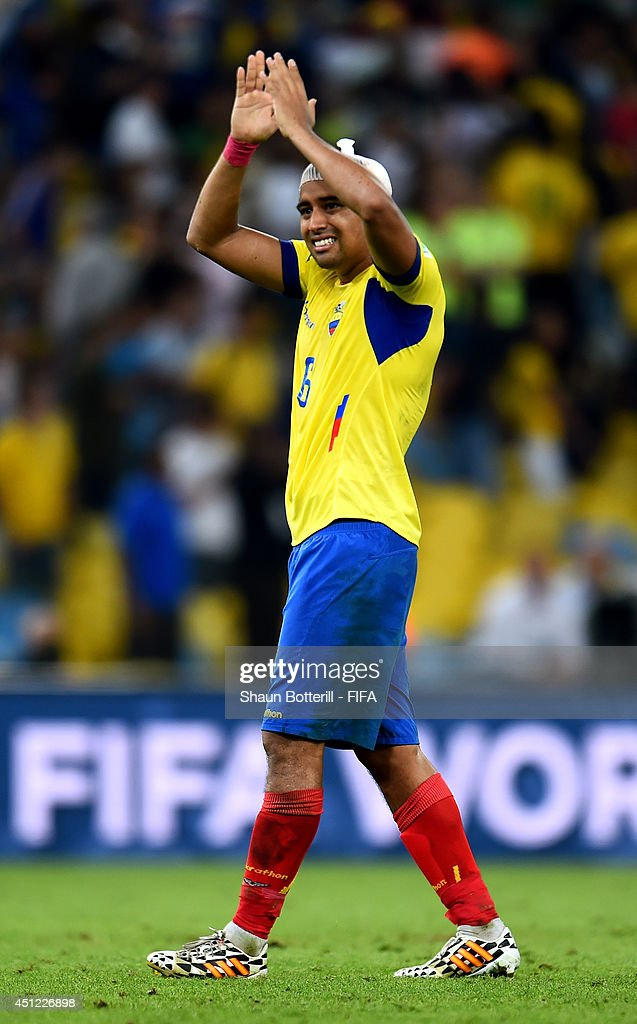 <a gi-track='captionPersonalityLinkClicked' href=/galleries/search?phrase=Christian+Noboa&family=editorial&specificpeople=5535021 ng-click='$event.stopPropagation()'>Christian Noboa</a> of Ecuador acknowledges the fans after the 0-0 draw in the 2014 FIFA World Cup Brazil Group E match between Ecuador and France at Maracana on June 25, 2014 in Rio de Janeiro, Brazil.