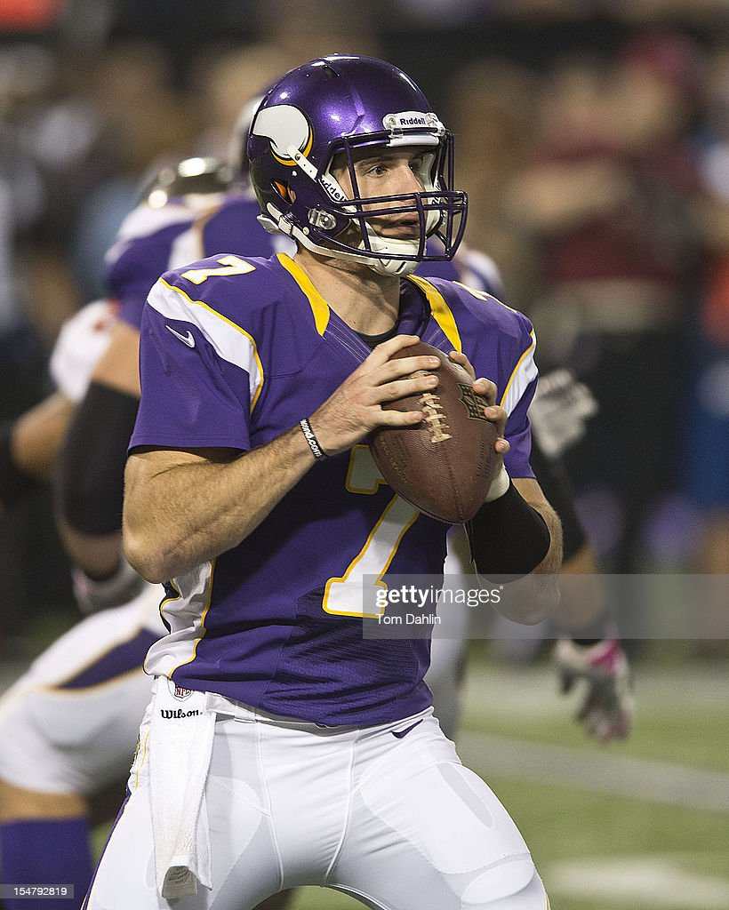 Christian Ponder #7 of the Minnesota Vikings passes the ball during an NFL game against the Tampa Bay Buccaneers at Mall of America Field at the Hubert H. Humphrey Metrodome on October 25, 2012 in Minneapolis, Minnesota.