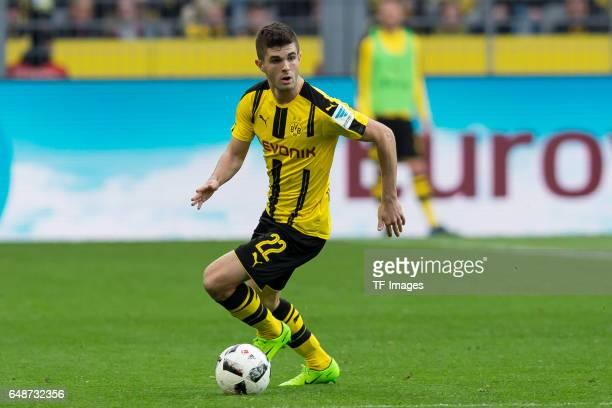 Christian Pulisic of Dortmund controls the ball during the Bundesliga match between Borussia Dortmund and Bayer 04 Leverkusen at Signal Iduna Park on...