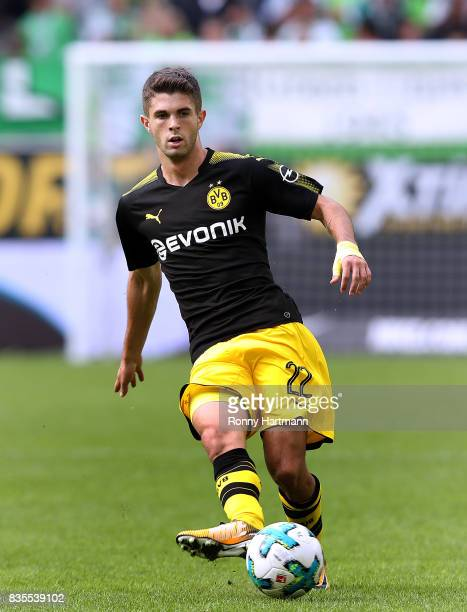 Christian Pulisic of Dortmund controls the ball during the Bundesliga match between VfL Wolfsburg and Borussia Dortmund at Volkswagen Arena on August...