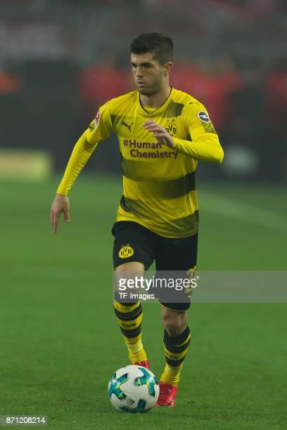 Christian Pulisic of Dortmund controls the ball during the German Bundesliga match between Borussia Dortmund v Bayern Munchen at the Signal Iduna...