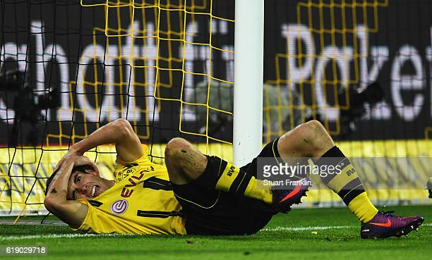 Christian Pulisic of Dortmund looks dejected during the Bundesliga match between Borussia Dortmund and FC Schalke 04 at Signal Iduna Park on October...