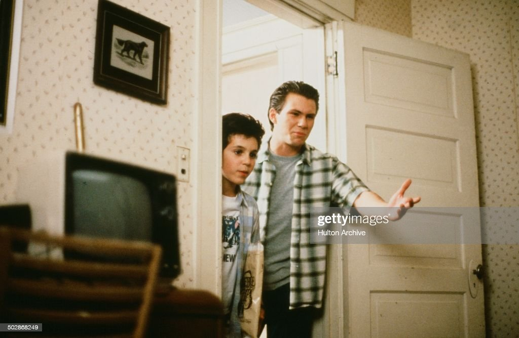Christian Slater shows Fred Savage a bedroom in a scene from the Universal Studio movie 'The Wizard' circa 1989