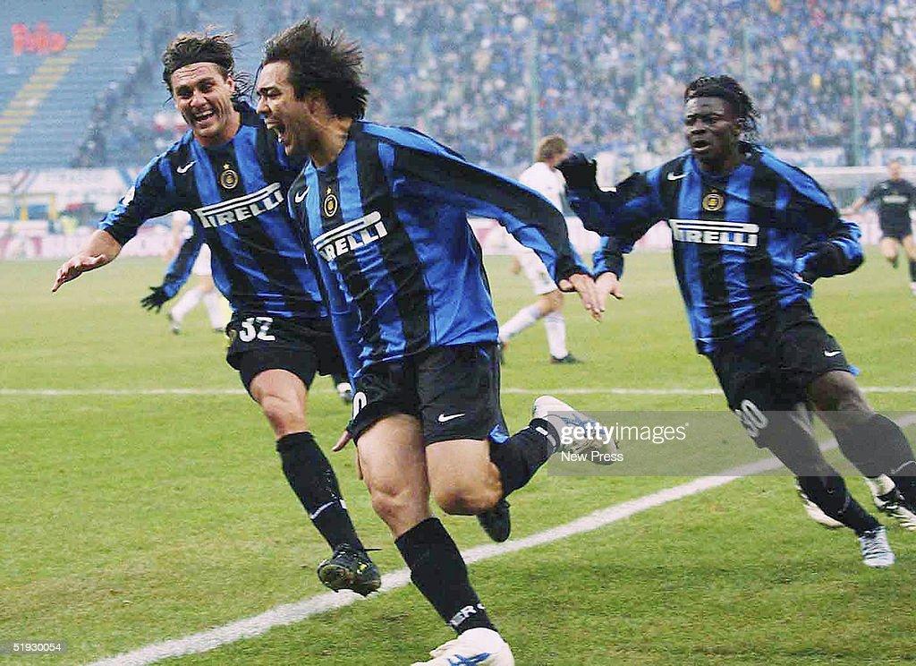 Christian Vieri celebrates a goal with Alvaro Recoba and Obafemi Martins of Inter Milan during the Serie A match between Sampdoria and Inter Milan at...