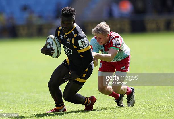 Christian Wade of Wasps and Cam Cowell of Harlequins during the Quarter Finals match between Wasps and Harlequins in the Singha Premiership Rugby 7's...