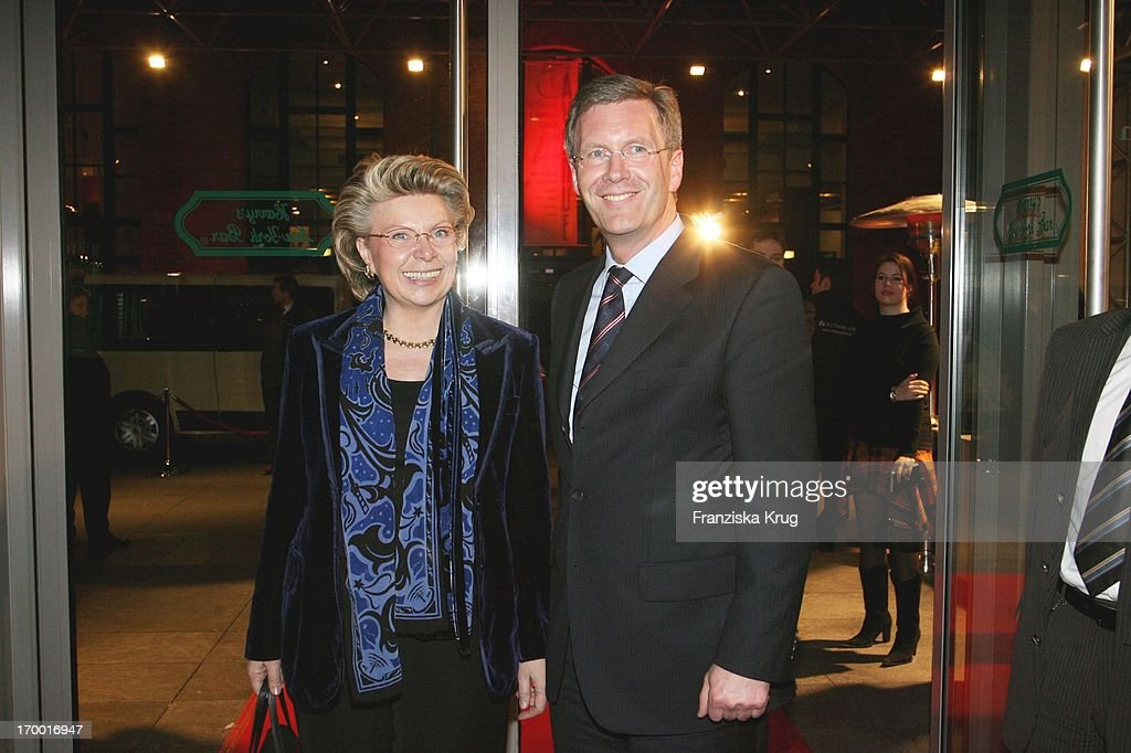 <a gi-track='captionPersonalityLinkClicked' href=/galleries/search?phrase=Christian+Wulff&family=editorial&specificpeople=221618 ng-click='$event.stopPropagation()'>Christian Wulff</a> And Vivian Reding (Commissioner For Information, Media And Society In The European Comission) On the T-Online media meeting 'Talk @ Night' On of the CeBIT in Hannover 080306.