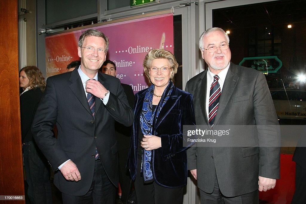 <a gi-track='captionPersonalityLinkClicked' href=/galleries/search?phrase=Christian+Wulff&family=editorial&specificpeople=221618 ng-click='$event.stopPropagation()'>Christian Wulff</a>, Vivian Reding (Commissioner For Information, Society And Media In The European Comission) On And <a gi-track='captionPersonalityLinkClicked' href=/galleries/search?phrase=Peter+Harry+Carstensen&family=editorial&specificpeople=217301 ng-click='$event.stopPropagation()'>Peter Harry Carstensen</a> (Prime Minister of Schleswig-Holstein), the T-Online media meeting 'Talk @ Night' on of Cebit in Hannover 080306. (P