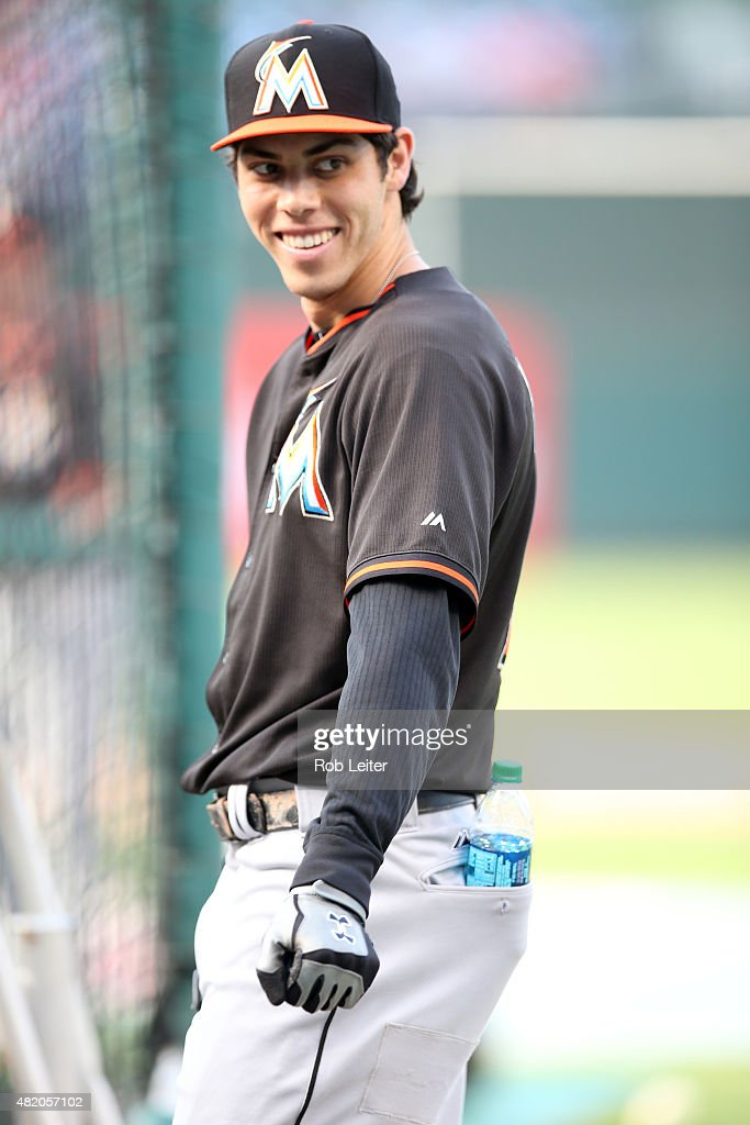 <a gi-track='captionPersonalityLinkClicked' href=/galleries/search?phrase=Christian+Yelich&family=editorial&specificpeople=9527291 ng-click='$event.stopPropagation()'>Christian Yelich</a> #21 of the Miami Marlins takes batting practice before the game against the Philadelphia Phillies at Citizens Bank Park on July 17, 2015 in Philadelphia, PA. The Phillies defeated the Marlins 6-3.