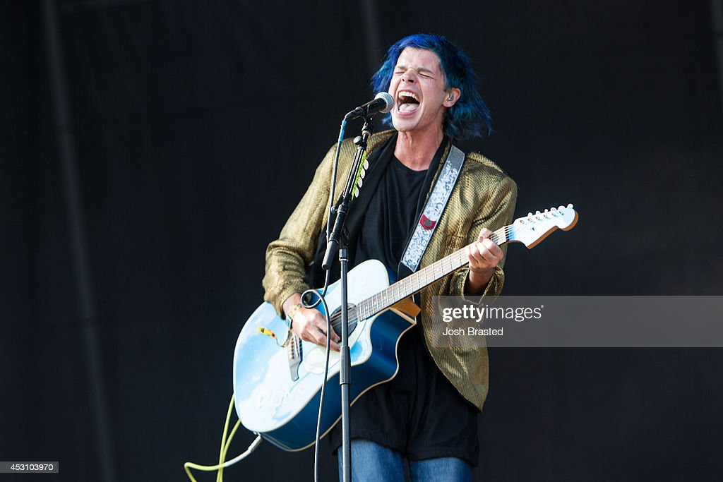 <a gi-track='captionPersonalityLinkClicked' href=/galleries/search?phrase=Christian+Zucconi&family=editorial&specificpeople=7324779 ng-click='$event.stopPropagation()'>Christian Zucconi</a> of Grouplove performs during the 2014 Lollapalooza at Grant Park on August 2, 2014 in Chicago, Illinois.