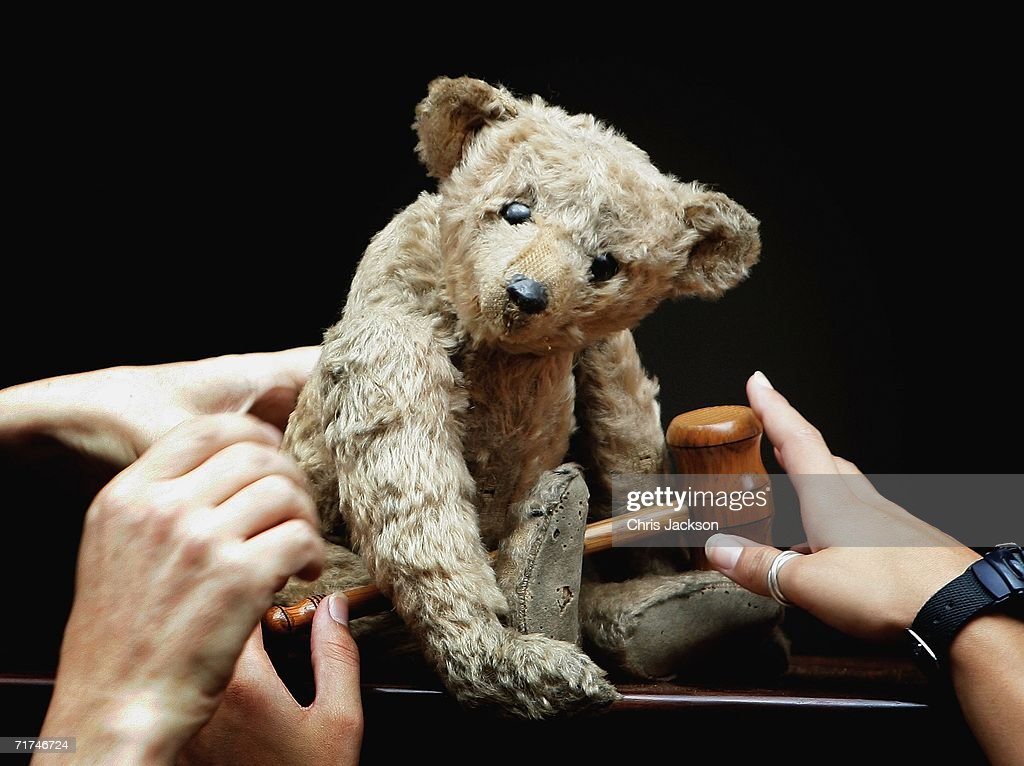 Christie's staff arrange a 1904 steiff bear known as Growler which is believed to be one of the oldest teddy bears in the world on August 30 2006 in...