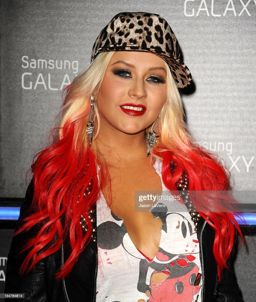 <a gi-track='captionPersonalityLinkClicked' href=/galleries/search?phrase=Christina+Aguilera&family=editorial&specificpeople=171272 ng-click='$event.stopPropagation()'>Christina Aguilera</a> attends the launch of the Samsung Galaxy Note II on October 25, 2012 in Beverly Hills, California.