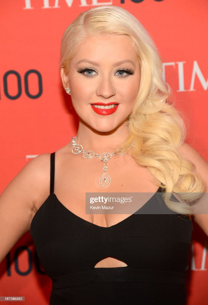 <a gi-track='captionPersonalityLinkClicked' href=/galleries/search?phrase=Christina+Aguilera&family=editorial&specificpeople=171272 ng-click='$event.stopPropagation()'>Christina Aguilera</a>