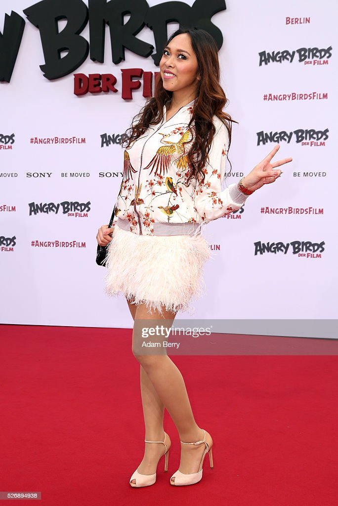 Christina Ann Zalamea aka Hello Chrissy attends the premiere of 'Angry Birds - Der Film' on May 01, 2016 in Berlin, Berlin.