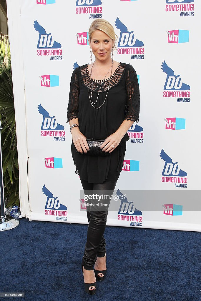Christina Applegate arrives to the 2010 VH1 'Do Something' Awards held at the Hollywood Palladium on July 19 2010 in Hollywood California