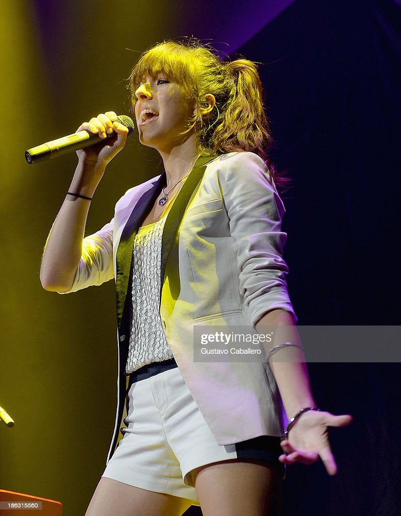 <a gi-track='captionPersonalityLinkClicked' href=/galleries/search?phrase=Christina+Grimmie&family=editorial&specificpeople=7293581 ng-click='$event.stopPropagation()'>Christina Grimmie</a> performs at BB&T Center on October 29, 2013 in Sunrise, Florida.