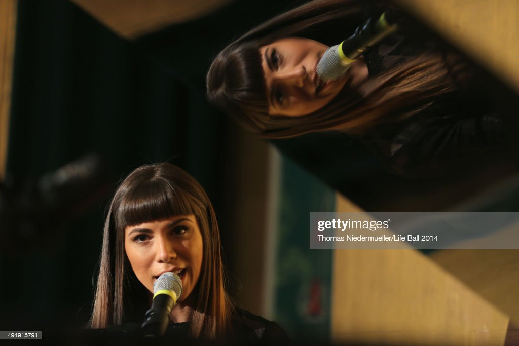 <a gi-track='captionPersonalityLinkClicked' href=/galleries/search?phrase=Christina+Perri&family=editorial&specificpeople=7285432 ng-click='$event.stopPropagation()'>Christina Perri</a> performs at the AIDS Solidarity Gala 2014 at Hofburg Vienna on May 31, 2014 in Vienna, Austria.