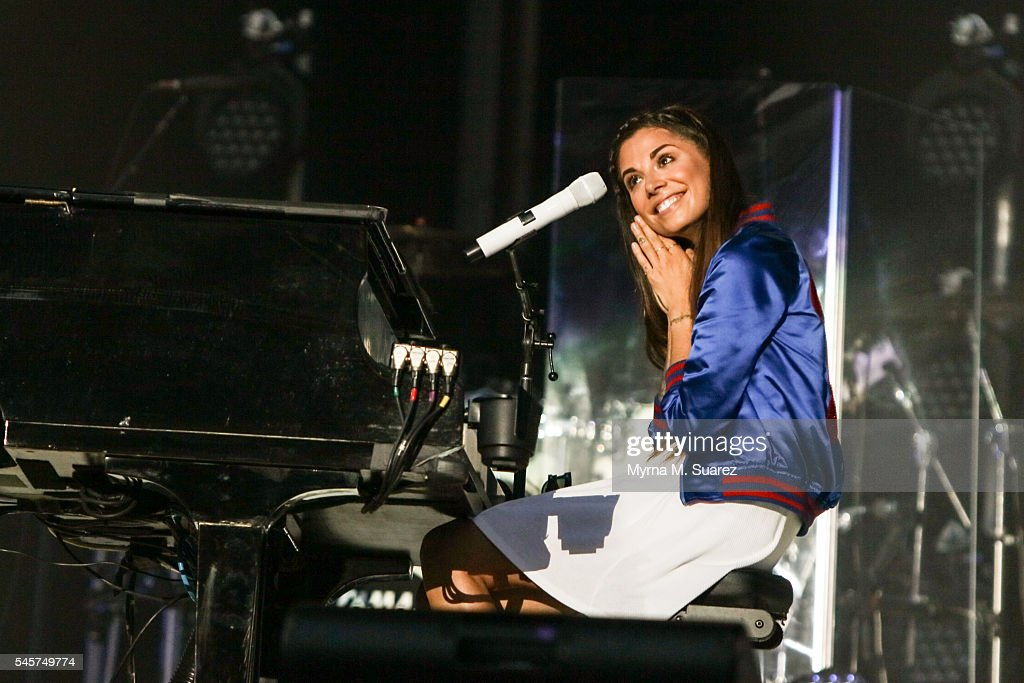 Billy Joel With Special Guest Christina Perri In Concert