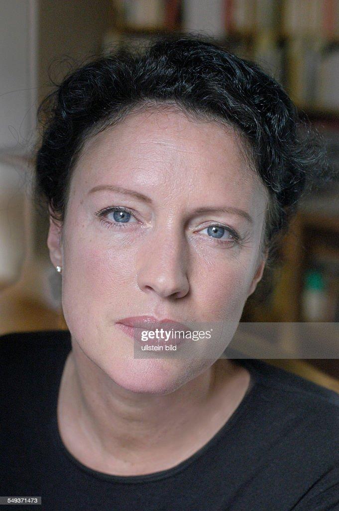 <b>Christine Becker</b>, Witwe des 1997 verstorbenen Schriftstellers Jurek Becker - christine-becker-witwe-des-1997-verstorbenen-schriftstellers-jurek-picture-id549371473