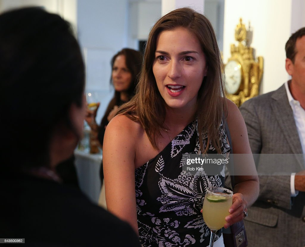 Christine Kramer attends 'Gotham Magazine Celebrates Art of the City with Lisa Schulte' event at Voltz Clarke Gallery on June 28, 2016 in New York City.