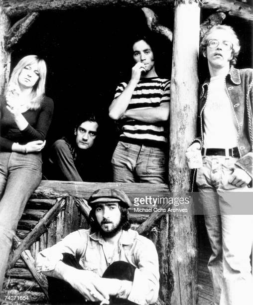 Christine McVie Mick Fleetwood John McVie Bob Weston and Bob Welch of the rock group 'Fleetwood Mac' pose for a portrait in 1973
