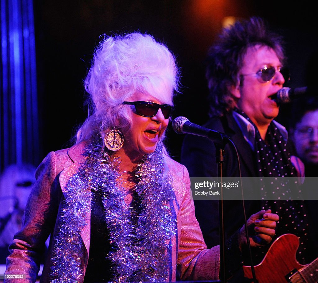 Christine Ohlman and Ricky Byrd performs at The Cutting Room on January 25, 2013 in New York, New York.