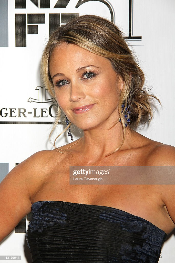 <a gi-track='captionPersonalityLinkClicked' href=/galleries/search?phrase=Christine+Taylor&family=editorial&specificpeople=201985 ng-click='$event.stopPropagation()'>Christine Taylor</a> attends the Centerpiece Gala Presentation Of 'The Secret Life Of Walter Mitty' during the 51st New York Film Festival at Alice Tully Hall at Lincoln Center on October 5, 2013 in New York City.