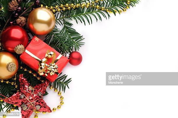 Fond de Noël en rouge, or et vert