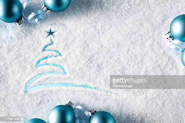 Weihnachtskarte mit Baum mit Schnee Winter-Fenster