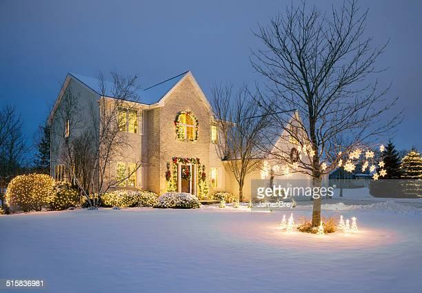 Weihnachten eingerichteten mit Weihnachten Beleuchtung, Schnee